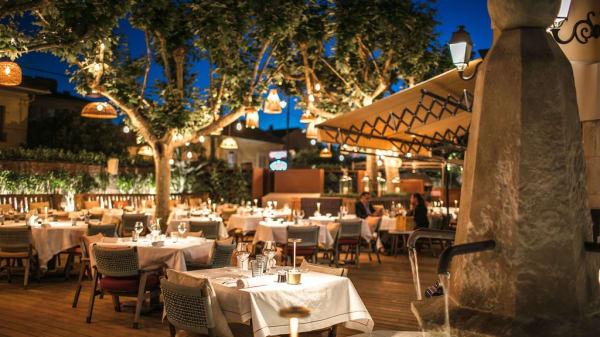 Terrasse - Cucina Byblos, Saint-Tropez