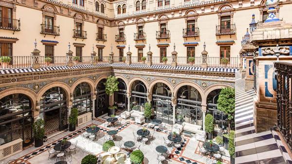 Patio central - San Fernando - Hotel Alfonso XIII, Sevilla