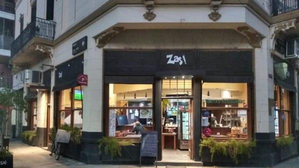 Entrada - Zas, Buenos Aires