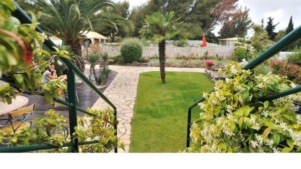 Terrasse et jardin - Hôtel Restaurant L'Hermitage, Èze