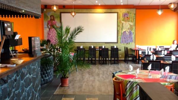 Salle de restaurant - Passion Kréole, Pierrelaye