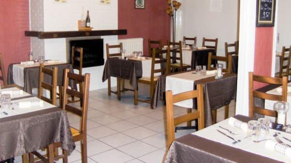 Vue salle - Restaurant La Tour de Crécy, Crécy-sur-Serre