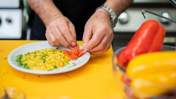 in the back stage (the kitchen) - Le Tre Spighe by Hotel Fattoria Stocchi, Quattromiglia