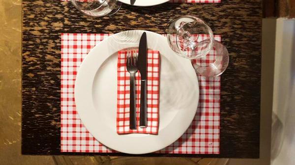 Tavolo - Le 3 Torri, Pavia
