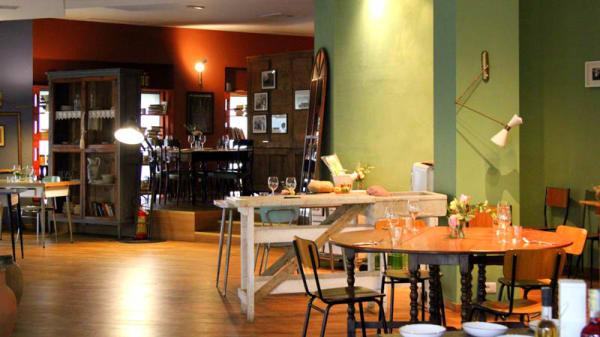 Sala del ristorante - A Casa Eatery, Milano