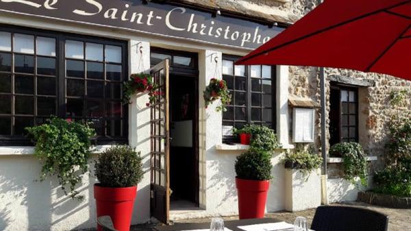 Façade - Le Saint-Christophe, Châteaufort