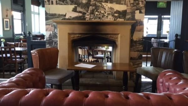 The Salisbury Arms - Winchmore Hill, London