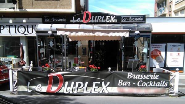 Devanture - Le Duplex, Lisieux