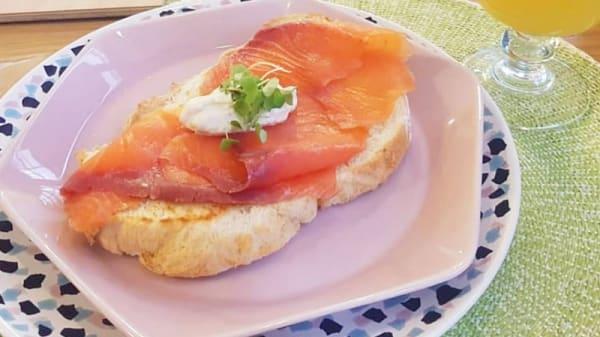 tosta de salmon con aguacate y lima - Serendipia, Las Palmas de Gran Canaria