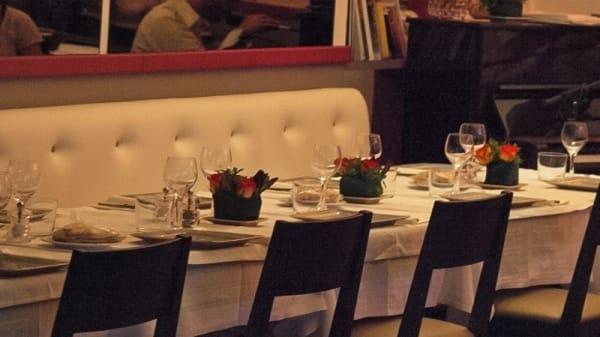 Table dressée - Chez Madeleine, Boulogne-Billancourt