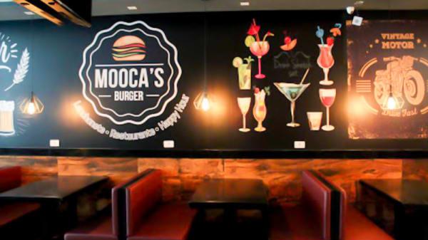 Vista do interior - Mooca's Burger, São Paulo