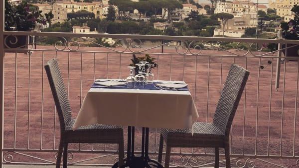 Fantastica terrazza con vista su Ravello - Ristorante Zi'Ntonio, Scala