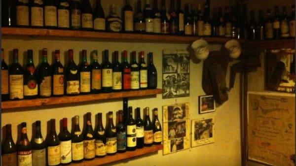 Vasta scelta di vini - Locanda la Casa dello Spiedo, Pieve Di Soligo