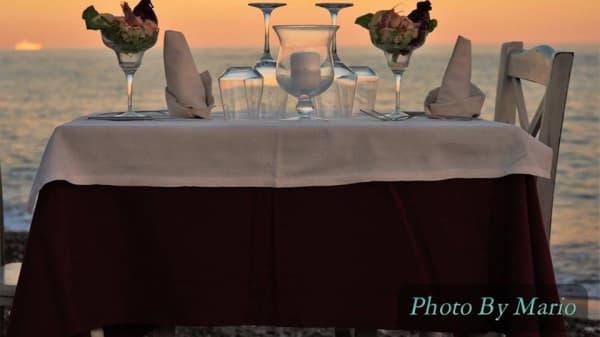 Particolare tavolo - La Terrazza, Genova