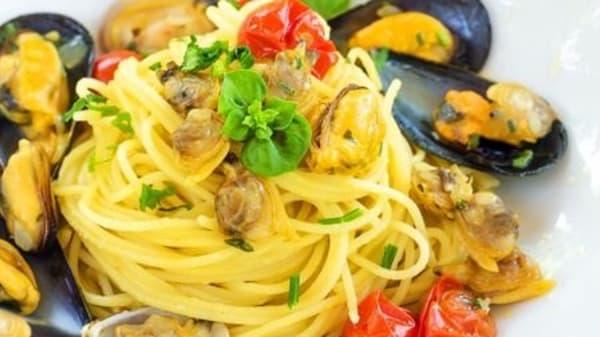 Pasta con pesce - Ristorante Turismo, Misano Adriatico