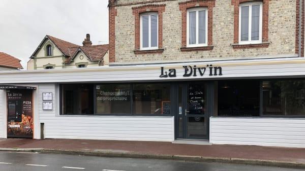 La Div'in, Dives-sur-Mer