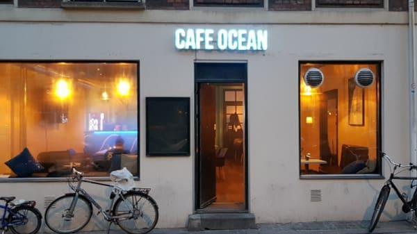 Ute - Café Ocean, Frederiksberg