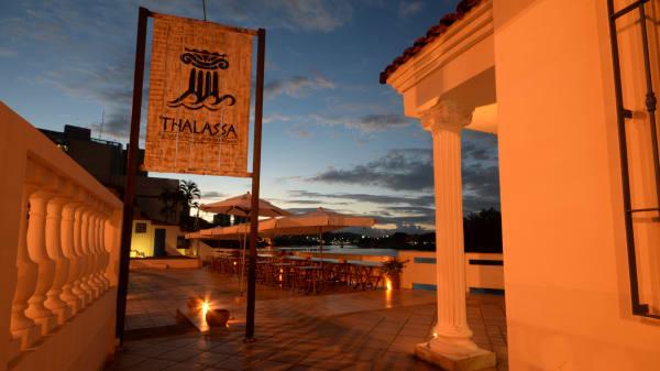 tha - Thalassa, Vitória
