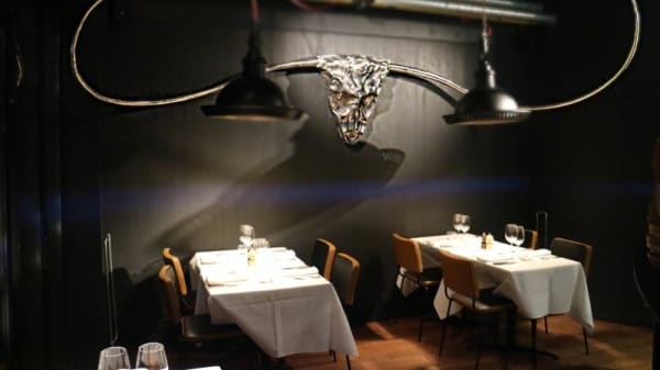 salle - Carnivore, Bruxelles