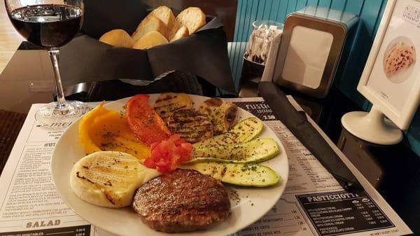 Piatto Hamburger Gourmet - Chiosto Prelibatezze Italiane, Torino
