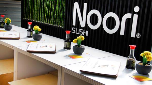 Detalle mesa - Noori Sushi - Príncipe Pío, Madrid