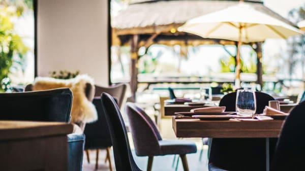 Vista sala - Claro Restaurant & Beach Club, Estepona