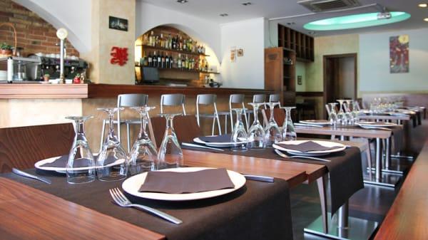 Vista mesas y barra - Mito, Barcelona