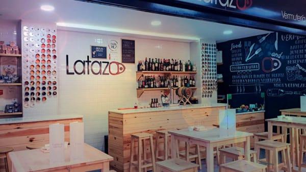 Vista del interior - Vermuteria Latazo, Madrid
