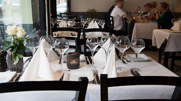 setting1 - Restaurant & Steakhouse Savana, København