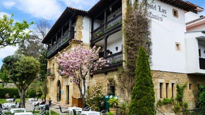 Vista fachada - Los Infantes, Santillana Del Mar