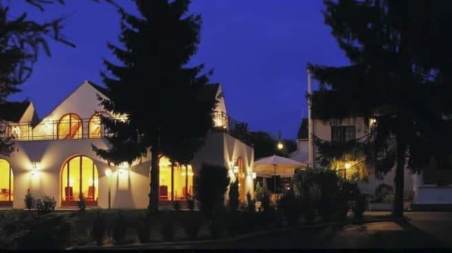 Vue extérieur - L'Aigle d'Or, Croissy-Beaubourg