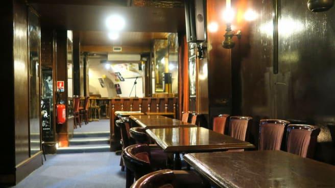 Salle du restaurant - Le Petit Journal - Jazz Club, Paris