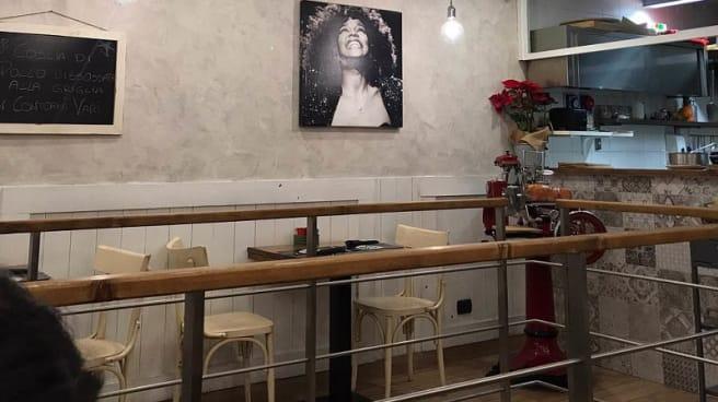 Vista sala - Star Pub, Sorrento