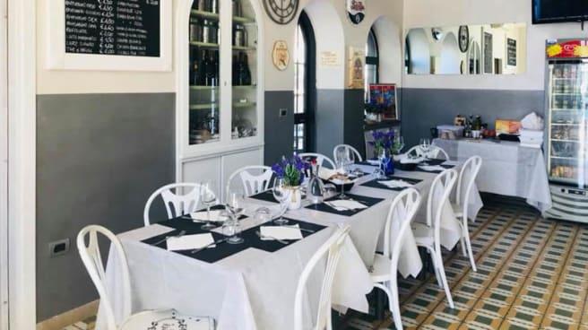 Vista sala - Liberty Cafè, Santa Marinella