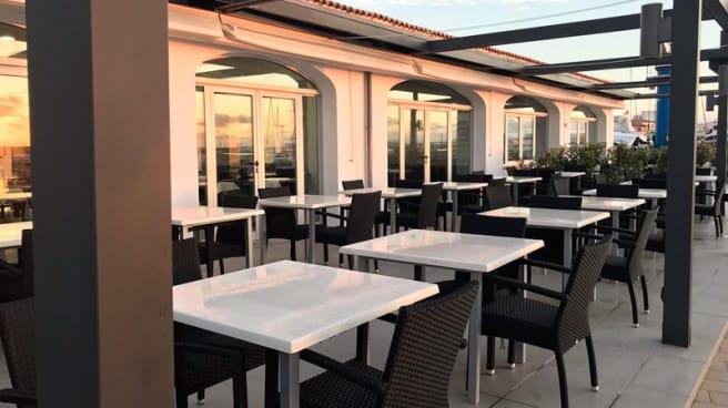 Terraza - Club Náutic S'Estanyol Restaurant