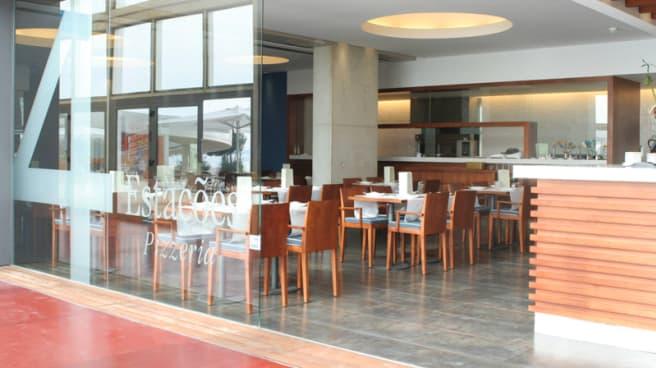 Sala - Pizzeria 4 Estações, Porto