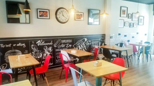 Vista del interior - Burger Kas Villaverde, Madrid