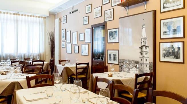 Sala del ristorante - Trattoria Via Ferrari, Modena