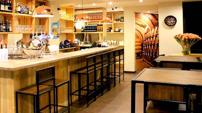 Vue de la salle - O'Fam Bar à Tapas, Levallois-Perret