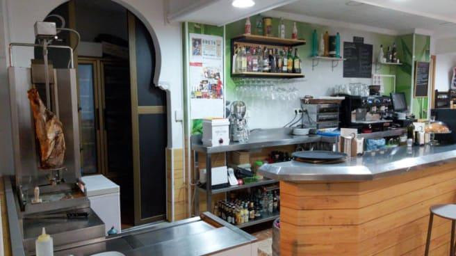 Vista de la sala - Café bar LOVI, Granada