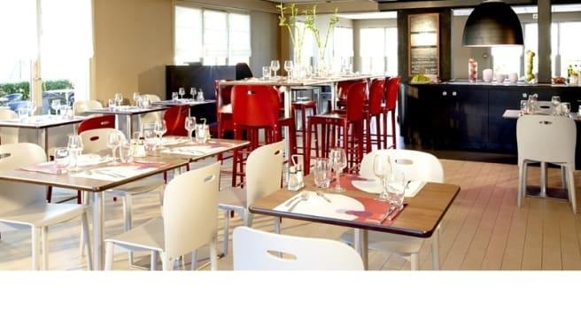 Salle du restaurant - Campanile Aurillac, Aurillac