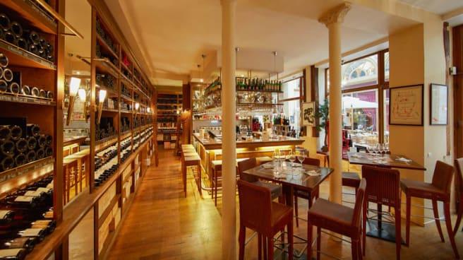 Le Comptoir Des Caves Legrand In Paris Restaurant Reviews Menu