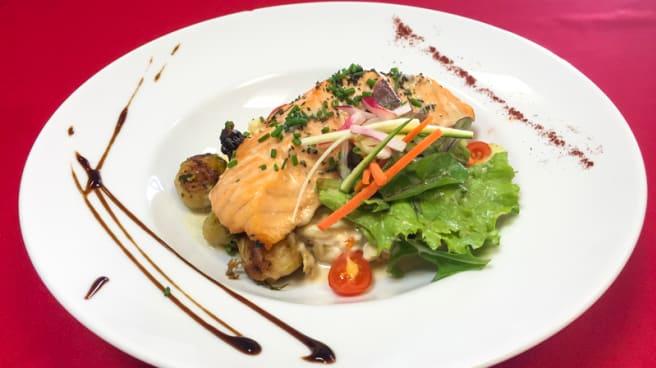 Exemple de plat du jour : le pavé de saumon - Déjeunez sous l'Arbre, Rousset