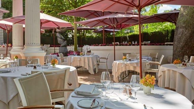 terrasse - Restaurant Laurent, Paris