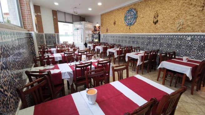 Vista da sala - Alquimia's Restaurante Bar, Loures