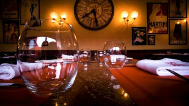 Sala - Tribeca Restaurante-Brasserie