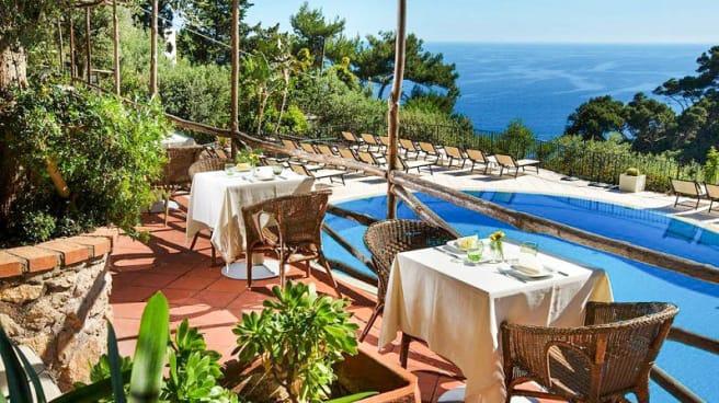Terrazza - Al Chiaro di Luna     pool-side restaurant, Capri