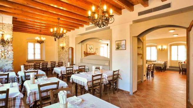 Veduta dell interno - Antica Trattoria del Gallo