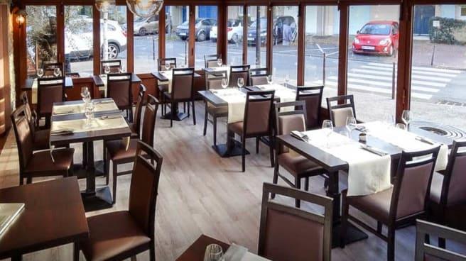Salon du restaurant - La Cavallina, Cergy