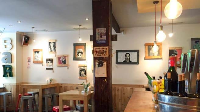 Vista del interior - Leka Leka Bar, Madrid